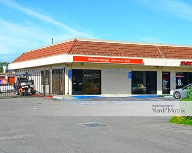 Storage Units for Rent available at 15951 Hesperian Blvd, San Lorenzo, CA 94580 Photo Gallery 1