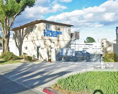 Storage Units for Rent available at 6836 Canby Avenue, Reseda, CA 91335 Photo Gallery 1