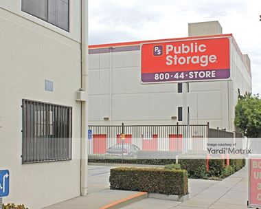 Storage Units for Rent available at 5410 Vineland Avenue, North Hollywood, CA 91601 Photo Gallery 1