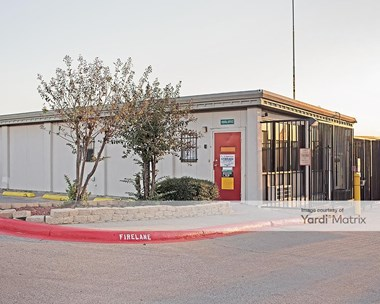 Storage Units for Rent available at 1850 Ephriham Avenue, Fort Worth, TX 76164 Photo Gallery 1