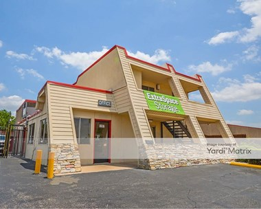 Storage Units for Rent available at 5197 Mccart Avenue, Fort Worth, TX 76115 Photo Gallery 1