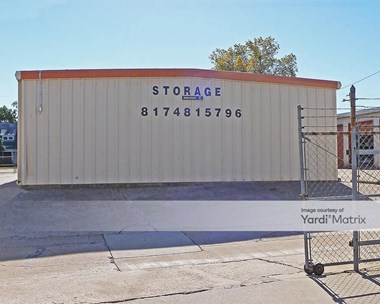 Storage Units for Rent available at 410 East Northwest Hwy, Grapevine, TX 76051 Photo Gallery 1