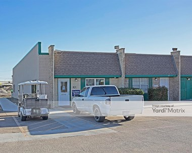 Storage Units for Rent available at 613 North Fwy, Fort Worth, TX 76102 Photo Gallery 1
