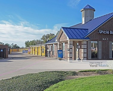Storage Units for Rent available at 5900 Bryant Irvin Road, Fort Worth, TX 76132 Photo Gallery 1