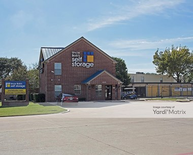 Storage Units for Rent available at 5575 Davis Blvd, North Richland Hills, TX 76180 Photo Gallery 1