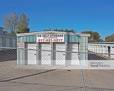 Storage Units for Rent available at 1355 East Seminary Drive, Fort Worth, TX 76115 Photo Gallery 1