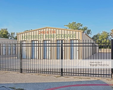 Storage Units for Rent available at 8324 White Settlement Road, White Settlement, TX 76108 Photo Gallery 1