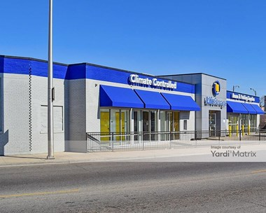 Storage Units for Rent available at 4014 West Grand Avenue, Chicago, IL 60651 Photo Gallery 1