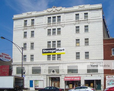 Storage Units for Rent available at 4906 West Madison Street, Chicago, IL 60644 Photo Gallery 1