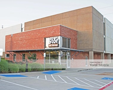 Storage Units for Rent available at 7390 Riverside Drive, Irving, TX 75039 Photo Gallery 1