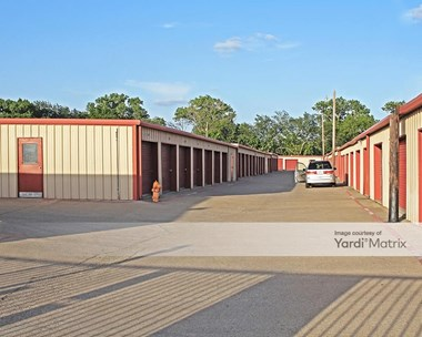 Storage Units for Rent available at 550 North O'connor Road, Irving, TX 75061 Photo Gallery 1