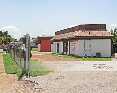 Storage Units for Rent available at 201 East Union Bower Road, Irving, TX 75061 Photo Gallery 1