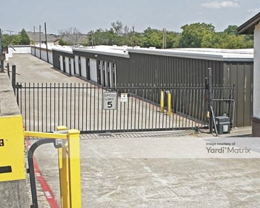 Storage Units for Rent available at 1209 East Belt Line Road, Desoto, TX 75115 Photo Gallery 1