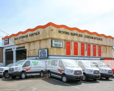 Storage Units for Rent available at 11552 SW Pacific Hwy, Tigard, OR 97223 Photo Gallery 1