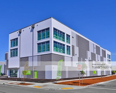Storage Units for Rent available at 685 SE Division Place, Portland, OR 97202 Photo Gallery 1