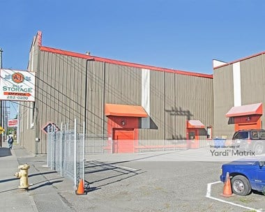 Storage Units for Rent available at 2648 15Th Avenue West, Seattle, WA 98119 Photo Gallery 1