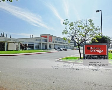 Storage Units for Rent available at 2200 East Mcfadden Avenue, Santa Ana, CA 92705 Photo Gallery 1