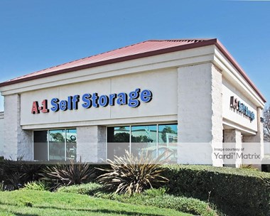 Storage Units for Rent available at 2555 South Main Street, Santa Ana, CA 92707 Photo Gallery 1