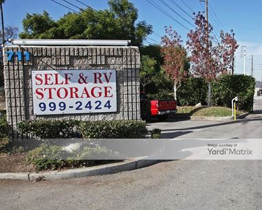 Storage Units for Rent available at 711 East La Palma Avenue, Anaheim, CA 92801 Photo Gallery 1