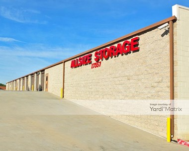 Storage Units for Rent available at 17357 Los Angeles Street, Yorba Linda, CA 92886 Photo Gallery 1