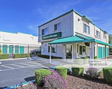 Storage Units for Rent available at 3722 Old Santa Rita Road, Pleasanton, CA 94588 Photo Gallery 1