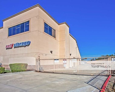 Storage Units for Rent available at 1432 North Barranca Avenue, Covina, CA 91722 Photo Gallery 1