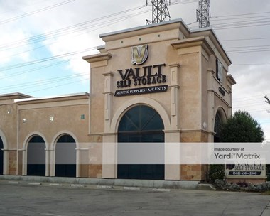 Storage Units for Rent available at 6897 North Paramount Blvd, Long Beach, CA 90805 Photo Gallery 1