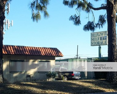 Storage Units for Rent available at 14822 Lakewood Blvd, Bellflower, CA 90706 Photo Gallery 1