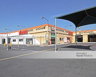 Storage Units for Rent available at 15707 Leffingwell Road, Whittier, CA 90604 Photo Gallery 1
