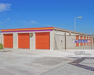 Storage Units for Rent available at 4140 Cherry Avenue, Long Beach, CA 90807 Photo Gallery 1