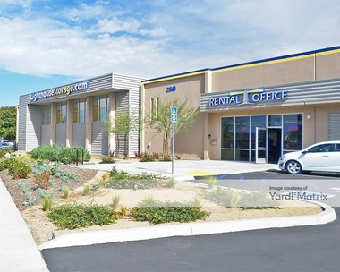 Storage Units for Rent available at 21640 South Wilmington Avenue, Carson, CA 90810 Photo Gallery 1
