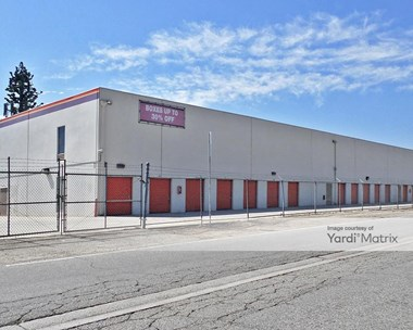 Storage Units for Rent available at 8200 Balboa Blvd, Van Nuys, CA 91406 Photo Gallery 1