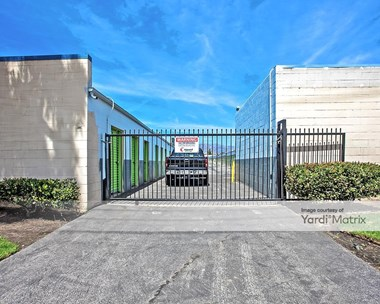 Storage Units for Rent available at 20221 Prairie Street, Chatsworth, CA 91311 Photo Gallery 1