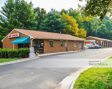 Storage Units for Rent available at 9001 Brook Road, Glen Allen, VA 23060 Photo Gallery 1