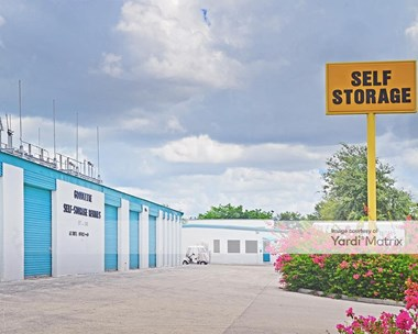 Storage Units for Rent available at 400 Goodlette Frank Road North, Naples, FL 34102 Photo Gallery 1