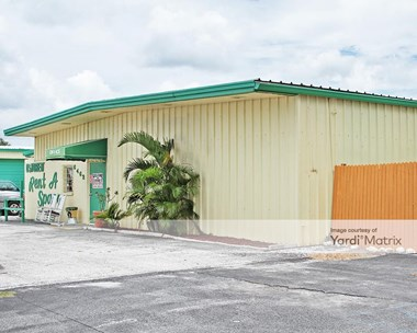 Storage Units for Rent available at 6462 San Casa Drive, Englewood, FL 34224 Photo Gallery 1