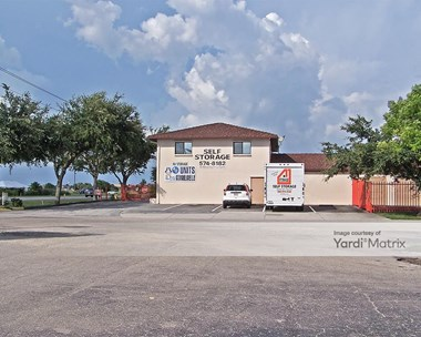 Storage Units for Rent available at 1318 NE Pine Island Road, Cape Coral, FL 33909 Photo Gallery 1