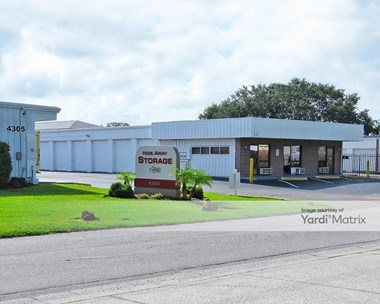 Storage Units for Rent available at 4305 32Nd Street West, Bradenton, FL 34205 Photo Gallery 1