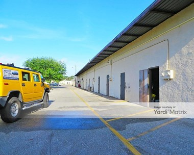 Storage Units for Rent available at 5803 15Th Street East, Bradenton, FL 34203 Photo Gallery 1