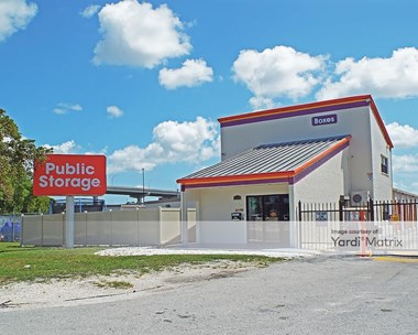 Storage Units for Rent available at 16970 NW 4Th Avenue, Miami, FL 33169 Photo Gallery 1