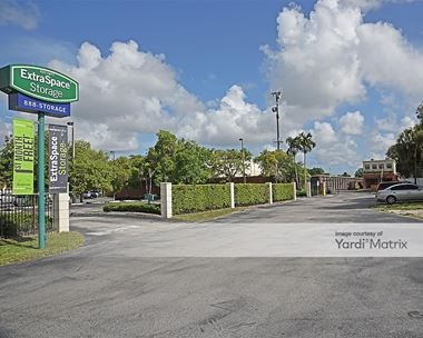 Storage Units for Rent available at 9848 Coral Way, Miami, FL 33165 Photo Gallery 1