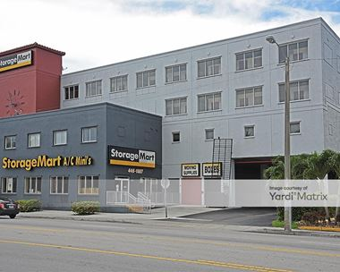 Storage Units for Rent available at 4920 NW 7th Street, Miami, FL 33126 Photo Gallery 1