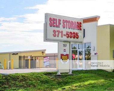 Storage Units for Rent available at 757 Apex Road, Sarasota, FL 34240 Photo Gallery 1