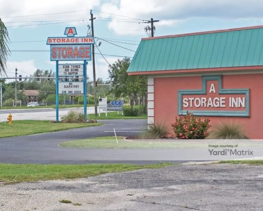 Storage Units for Rent available at 13990 Mcgregor Blvd, Fort Myers, FL 33919 Photo Gallery 1