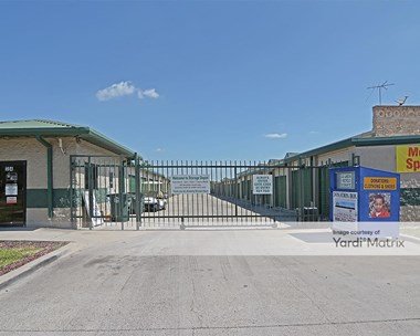 Storage Units for Rent available at 304 West Griffin Pkwy, Mission, TX 78572 Photo Gallery 1