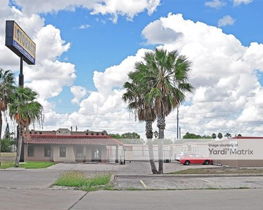 Storage Units for Rent available at 205 East Porte Court, Harlingen, TX 78550 Photo Gallery 1