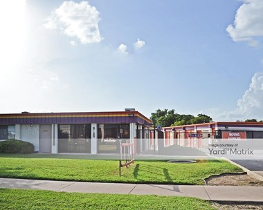 Storage Units for Rent available at 8128 North Lamar Blvd, Austin, TX 78753 Photo Gallery 1