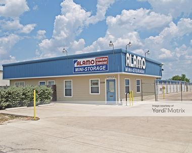 Storage Units for Rent available at 2339 Innovation Blvd, Hutto, TX 78634 Photo Gallery 1