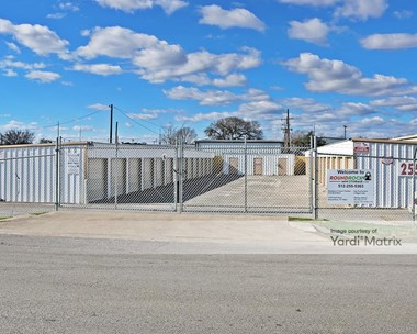 Storage Units for Rent available at 1320 Clark Street, Round Rock, TX 78681 Photo Gallery 1