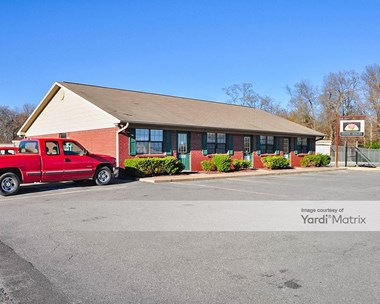 Storage Units for Rent available at 1522 North Center Street, Lonoke, AR 72086 Photo Gallery 1